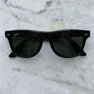 Black Ray-Ban Wayfarer Square Iconic Sunglasses
